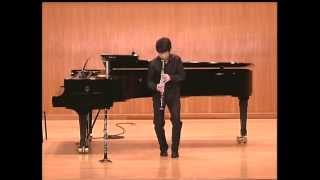 Han Kim plays Three pieces for solo clarinet by I.Stravinsky