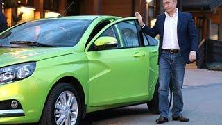 Wladimir Putin fährt neuesten russischen Wagen Lada Vesta