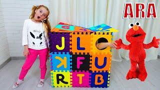 Ulya وأمي يلعبان لعبة مضحكة