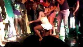 Black girl vs White girl booty shake in Jamaica