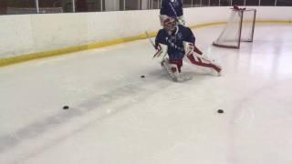 Тренировка Хоккейного Вратаря.Скольжение на щитках во круг шайб
