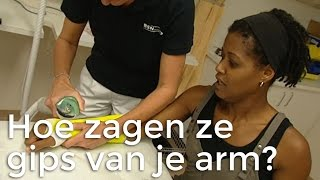 Doen ze dat zo: Hoe zagen ze gips van je arm? | Het Klokhuis