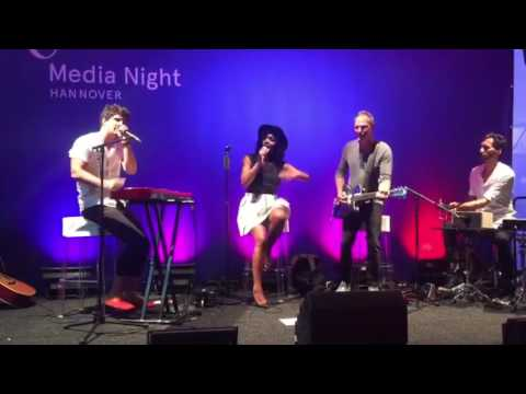 SIA - Cheap Thrills cover  (MUNIQUE @ Media Night 2016 in Hannover)