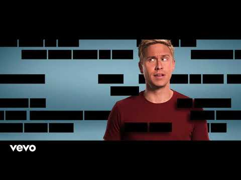 Russell Howard's Hour Theme Tune FULL SONG [Kasabian - Ill Ray (The King)]