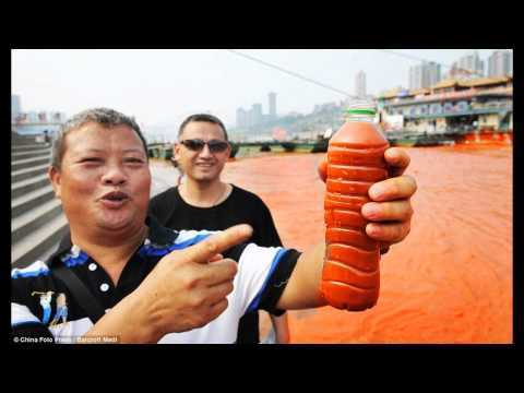 China River Yangtze Turns Blood Red