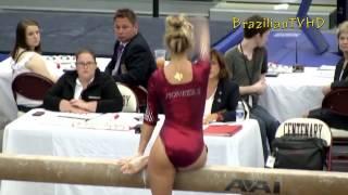 Фигуристая гимнастка с хорошей попкой