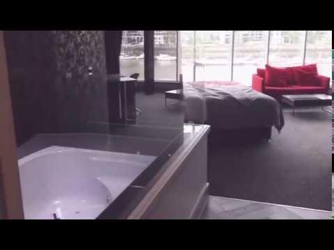 Rafayel Hotel London Emperor Suites Battersea Jacuzzi
