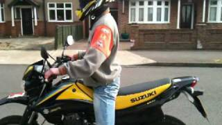 suzuki dr125sm wheelie learning and burnout time ;)