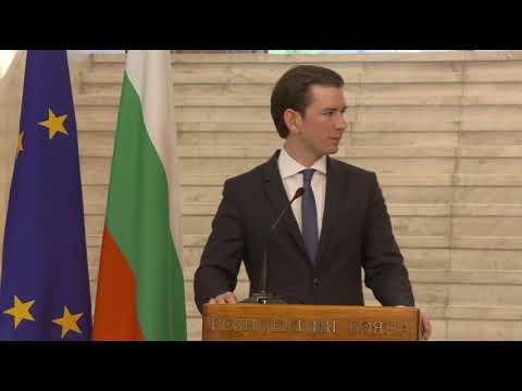Австрийският канцлер Себастиан Курц: Няма друга държава в Европа като България, която е инвестирала толкова усилия по опазването на външните граници. Благодаря на страната ви, че с настойчивост се наложи да се спре мигрантската вълна до голяма степен. Важно е за всички нас държавите от Западните Балкани да бъдат подкрепени по пътя си към Европа. Радваме се, че имаме възможност да подкрепим България да бъде приета в Шенгенското пространство.