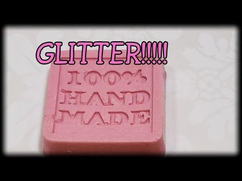GLITTER GLITTER GLITTER
