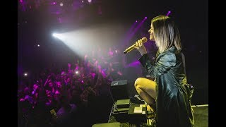Download Lagu Maren Morris and Zedd Perform The Middle Together at OMNIA Nightclub Mp3