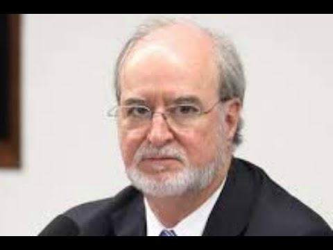 Ex-governador de MG Eduardo Azeredo se entrega à polícia | SBT Brasil (23/05/18)