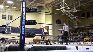 Repeat youtube video Gail Kim vs. Madison Rayne - Bristol, TN 1-10-14