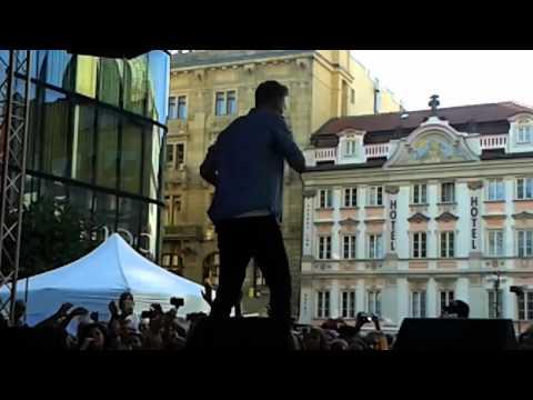 Timmy White-Neodcházej Václavské náměstí