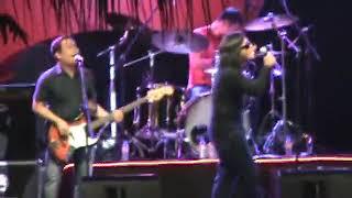 Ebe Dancel - Sugarfree At Philippine Pyromusical 2011 - 24 - Batang Bata Ka Pa Live