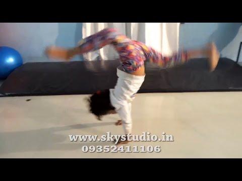 Abhi To Party Shuru Hui Hai Ft. Badshah / Sky Dance Studio / Kids Dance