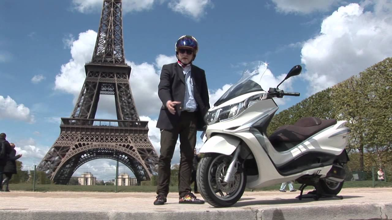 2012 piaggio x10 full review by tor sagen in paris youtube. Black Bedroom Furniture Sets. Home Design Ideas
