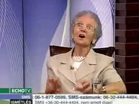 Old lady sings to Viktor Orban