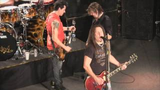 Jackyl - Down On Me (live 2-2-2013)