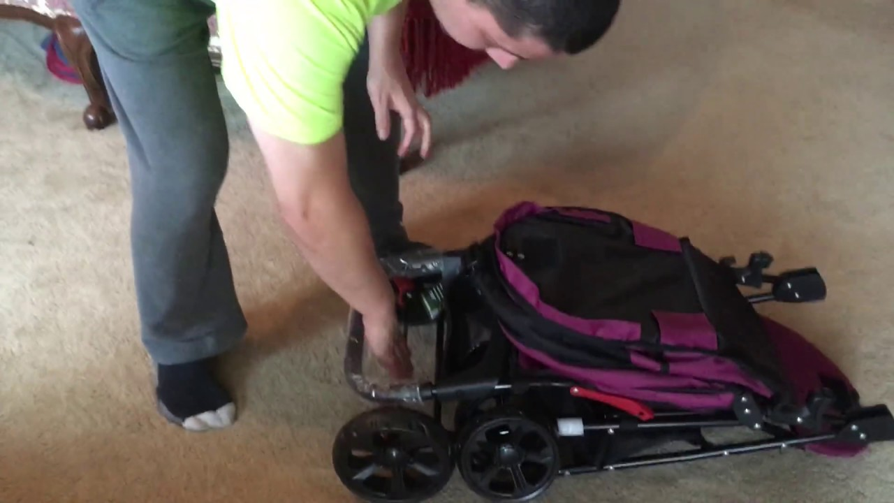 how to fold up the pet gear happy trails lite no zip pet stroller