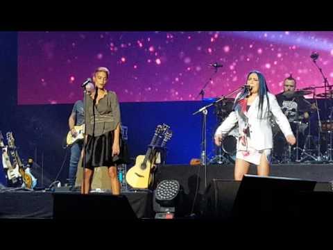 Loredana Berte' e Elodie Stiamo come stiamo - Amiche in Arena 19/09/2016