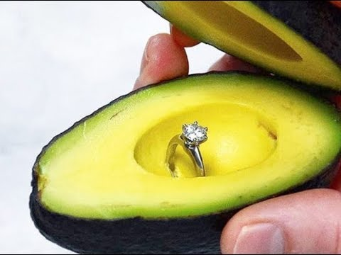 Millennials usan aguacates para proponer matrimonio