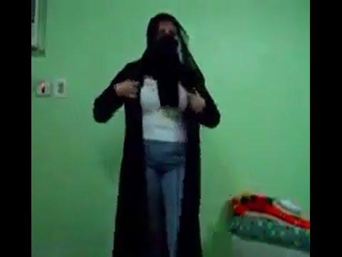 Sexy Arab girl dancing and removing clothes thumbnail