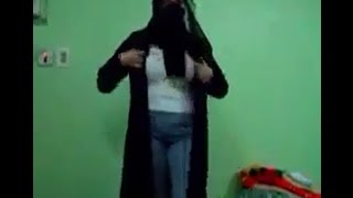 Sexy Arab girl dancing and removing clothes