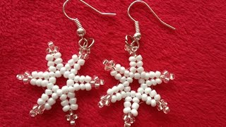 Schneeflocke aus Perlen. Deko oder Schmuck zu Weihnachten