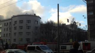 видео В Николаеве спасатели тушили пожар на кухне в ресторане
