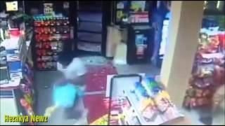 Looters Swarm a Convenience Store