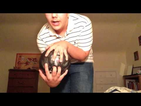 How to Bowl Two Handed-2 handed bowling style