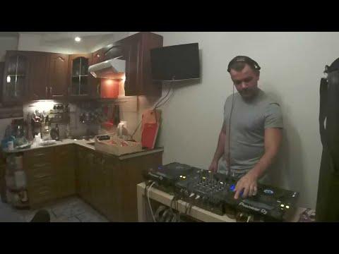 Kitchen Room: cookin' house and techno with Misha Plus and Yaroslav Lebedinskiy