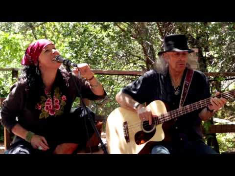 """Songs Of Their Own - #41 """"Dire Wolf"""" Corinne West & The Bandits"""