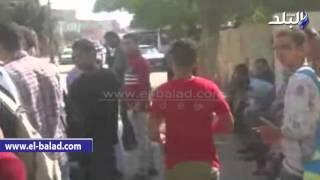 بالفيديو.. طلاب مدرسة السادات يقطعون شارع الجلاء بطنطا