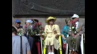 парад-победы  Херсон 2013(9 мая в Херсоне от драм-театра прошел парад во главе с ветеранами Великой Отечественной Войны., 2013-05-09T19:41:38.000Z)