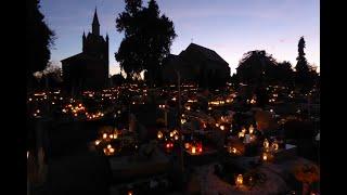 Święto Wszystkich Świętych 1 listopada 1992 r. na Cmentarzu Parafialnym w Łagiewnikach