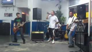 Papa Roach Cover - Between Angels And Insects (18/12/2011)