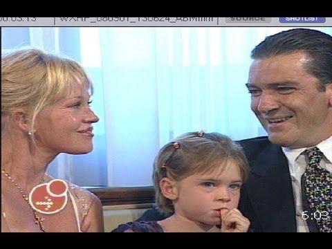 Antonio Banderas Hijo Predilecto de Málaga 2001 acompañado de Melanie Griffith y Stella del Carmen