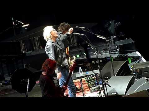 Daryl Hall & John Oates - She's Gone - O2 Arena, London - October 2017