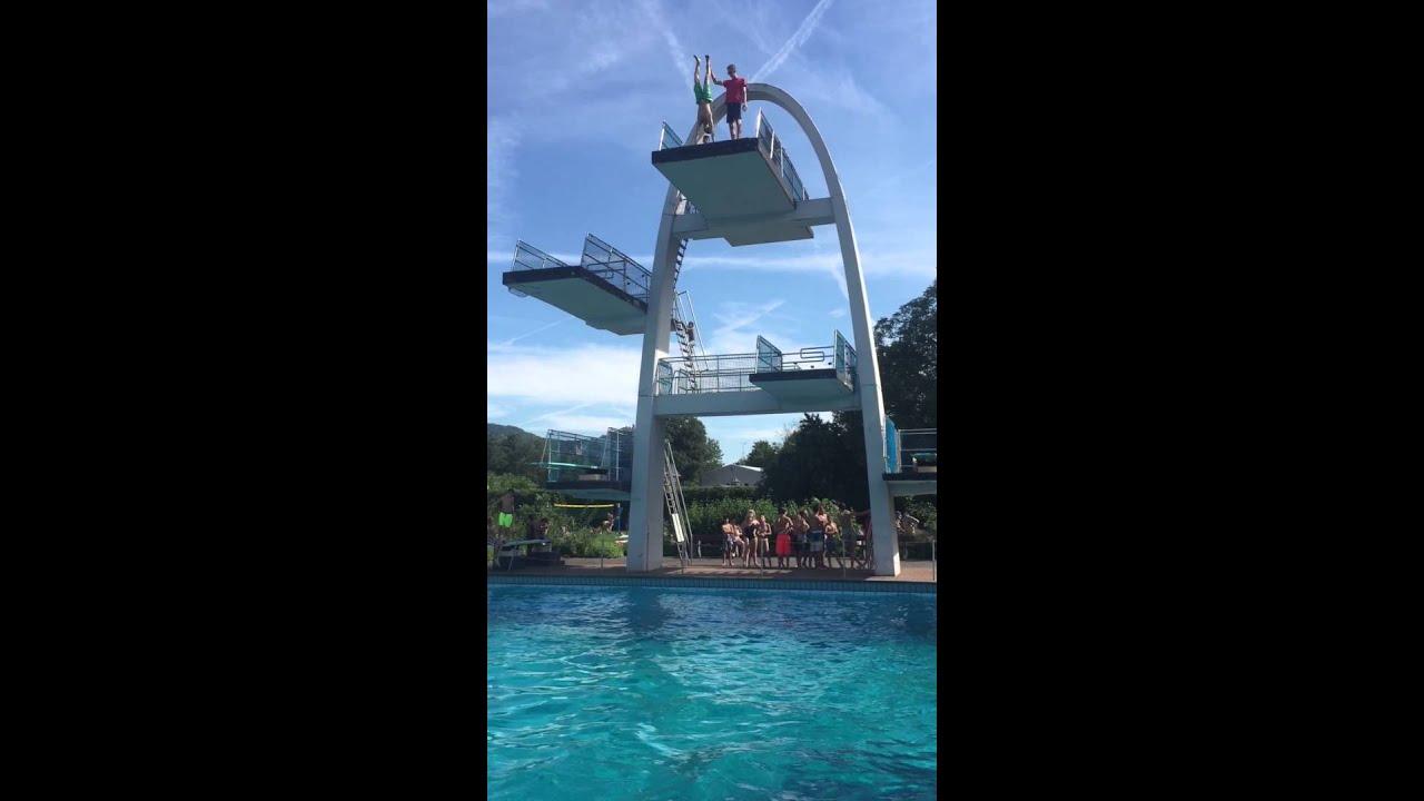 Handstandsprung vom 10 Meter Turm - YouTube