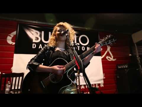 Tori Kelly - No Diggity (Live from SXSW)