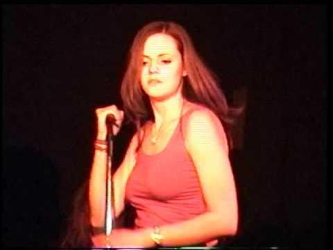 DONNAS   2000 03 15   live @ Maxwell's, Hoboken New Jersey, USA   43min12 HI8 MASTER