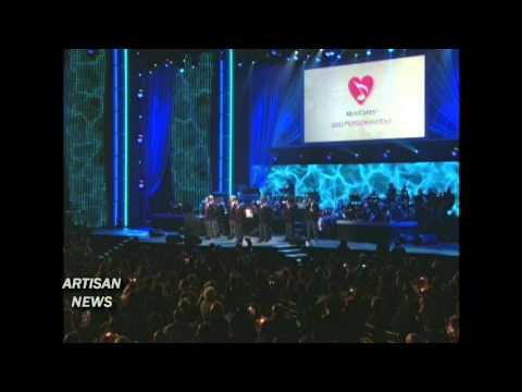 BARBRA STREISAND MUSICARES BRINGS OUT GLEE, FAITH, WONDER, MANILOW