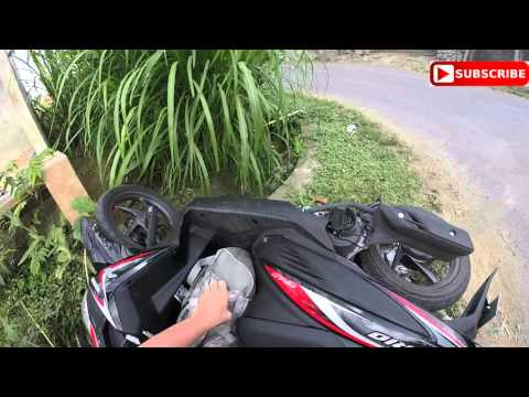 How to crash a motorbike on a honeymoon in BALI!