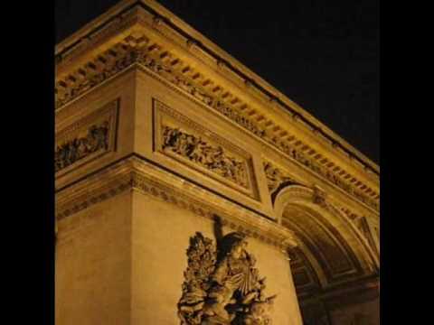 Place Charles de Gaulle & The Arc de Triomphe
