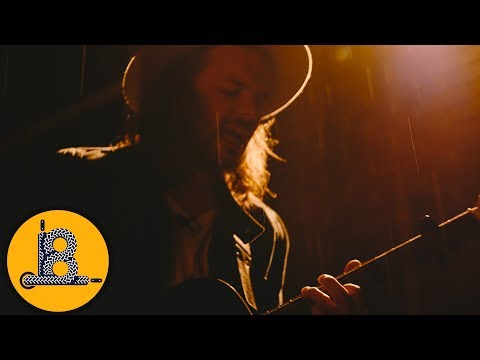 Shaun Kirk - Howlin At The Moon || Shoelace Sessions
