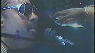 Stevie Wonder - Ribbon In The Sky Live in Tokyo Japan 1985