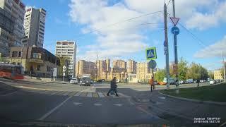 Смотреть видео ДТП двух таксистов на Волочаевской ул., г. Москва 8.10.2018 онлайн