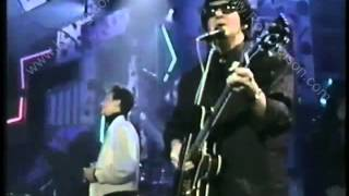"Download ROY ORBISON ""Crying"" w/ K.D. LANG - 1988 Top of the Pops Mp3 and Videos"